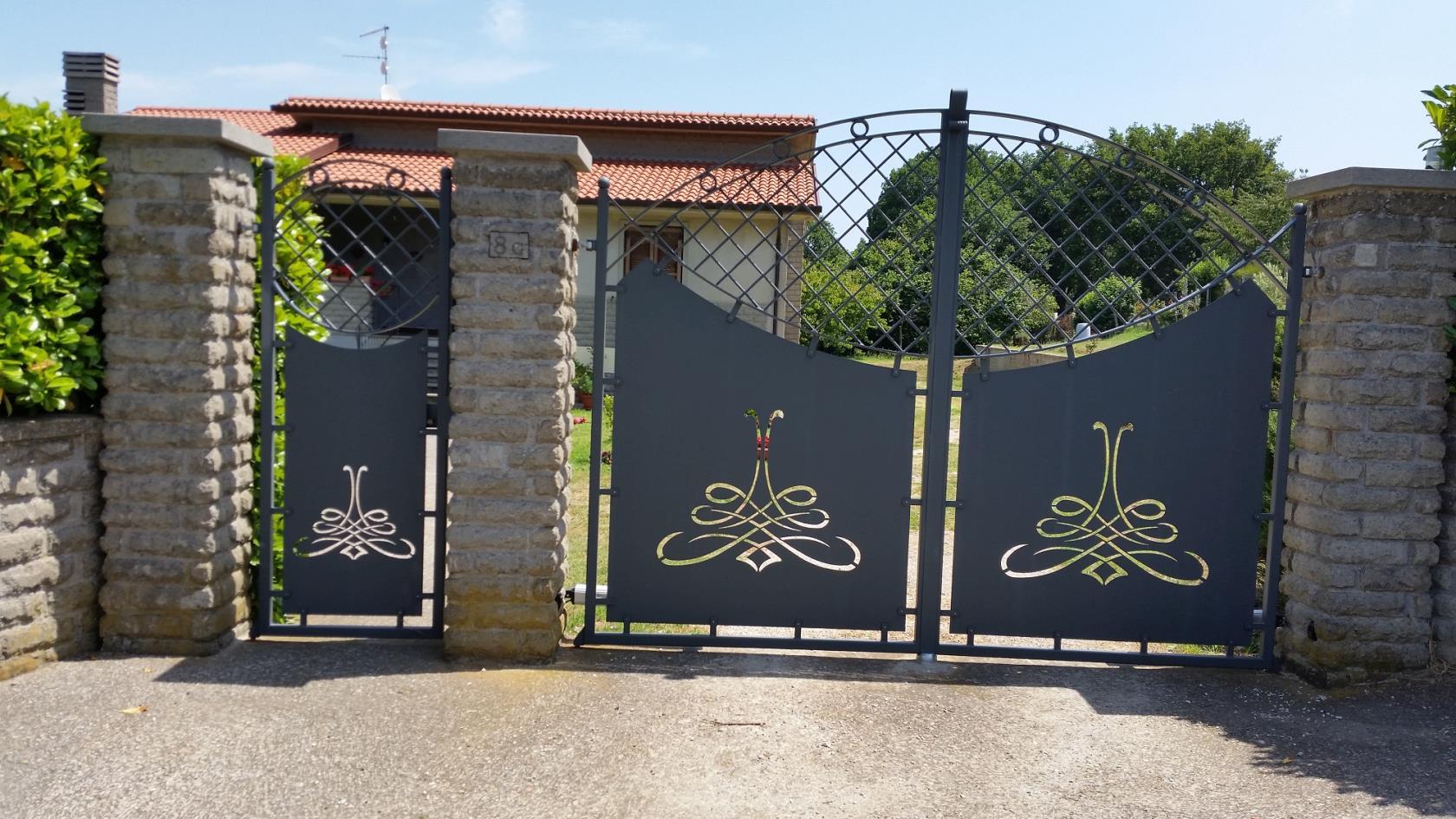 Foto cancelli in ferro simple cancelli in ferro battuto for Immagini cancelli in ferro